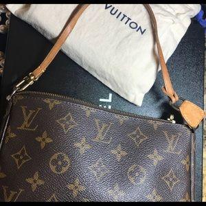 Luis Vuitton pouch